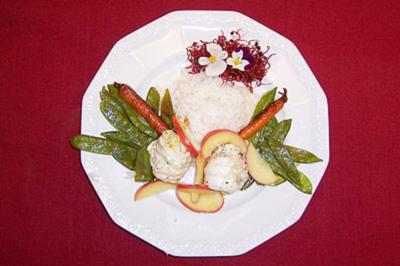 Safran-Seezungenröllchen mit Gemüse und Reis - Rezept
