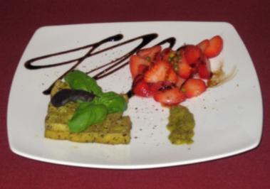 Gebackener Basilikum-Tofu mit Sake-Erdbeeren und grünem Pfeffer - Rezept