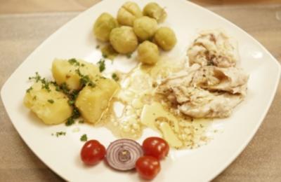 Aufrechter Karpfen à la Achim mit Rotkohl und Petersilienkartoffeln (Achim Mentzel) - Rezept