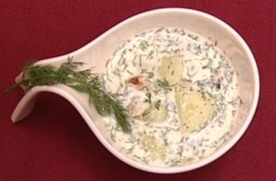 Spreewälder Gurkensüppchen mit Walnuss (Gerit Kling) - Rezept