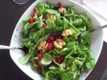 Feldsalat mit Honig-Senf-Dressing - Rezept