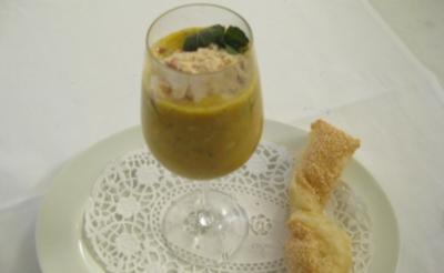 Babymöhrchen-Champagnersüppchen mit geeister Specksahnehaube - Rezept