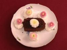 Schokoträume im fragilen Blütenbett mit Sahnehäubchen (Dagmar Frederic) - Rezept
