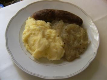 HAUPTGERICHT - Bratwurst, Kartoffelbrei und Sauerkraut - Rezept