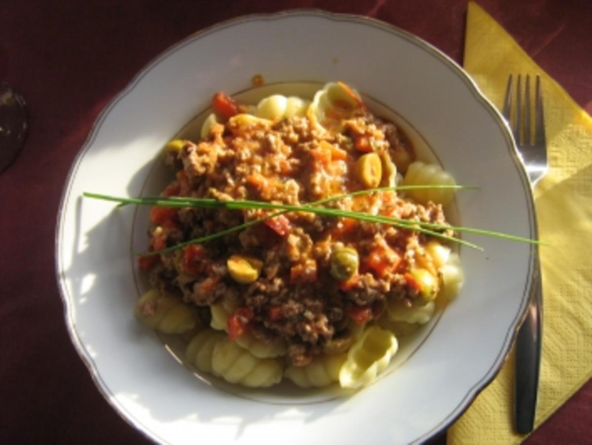 Gorgonzola-Paprika-Hack auf Gnocchi - Rezept By heinzelfrau
