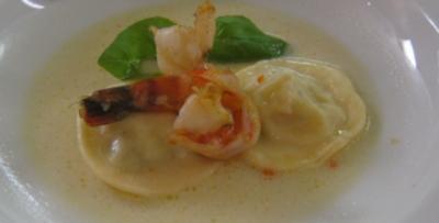 Meeresfrüchte-Ravioli in Zitronengrassoße - Rezept