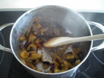 Gewürzzwetschgen-Sauce - Rezept