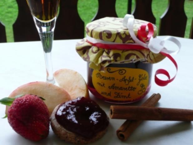 Beeren-Apfel-Gelee mit Amaretto und Zimt - Rezept