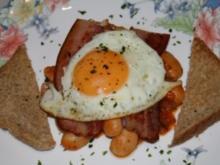 Cowboy-Dinner a la Bonanza (Beans,Bacon and Fried Eggs) - Rezept