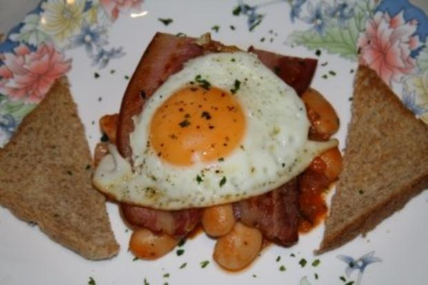 Cowboy-Dinner a la Bonanza (Beans,Bacon and Fried Eggs) - Rezept