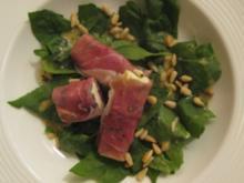 Spinatsalat mit gebratenen Fetakäse und Serranoschinken - Rezept