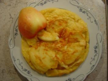 Eierpfannkuchen mit Schinken und Äpfeln... - Rezept