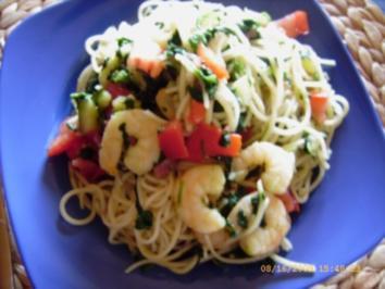 Bunte Garnelen-Spaghetti-Pfanne mit Blattspinat - Rezept