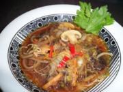 Asiatische Kohlsuppe mit Entenfleisch - Rezept