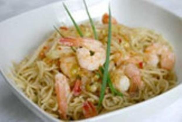 Asianudeln mit Shrimps&Ananas - Rezept