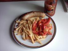Bratwurst,geschmorte Paprikaschote mit Pommes Frites - Rezept