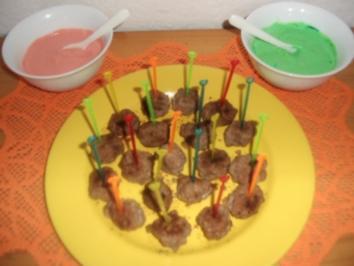 Scharfe Hackbällchen mit roter und grüner Soße - Rezept