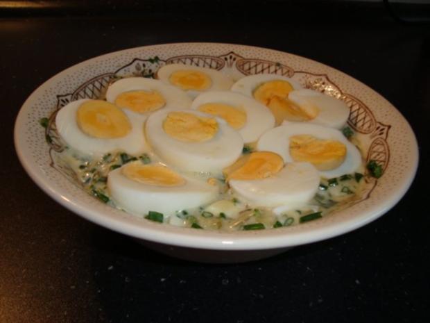 Eier in einer leckeren Kräutersauce - Rezept