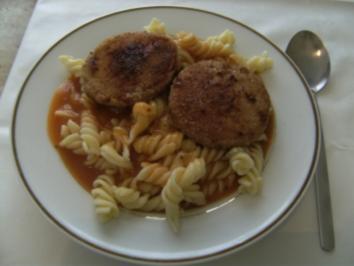 HAUPTGERICHT - Spirelli mit Tomatensoße und Jägerschnitzel - Rezept