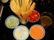 Spaghetti mit roter Linsensauce - Rezept