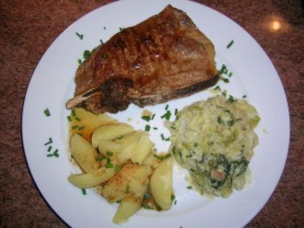 Wirsinggemüse Mit Natur Gebratenem Kotelett Und Salzkartoffeln (typische Altdeutsche  Küche)   Rezept