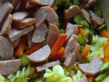 Rezept: Pikanter Nudelsalat