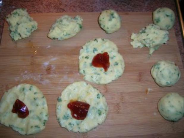 Rotweinsauerbraten mit Hagebuttenknödeln und geschmortem Wirsing (Fotos) - Rezept - Bild Nr. 14