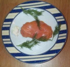 Lachsroulade gefüllt mit Avocado- Orangenmeerrettichcreme - Rezept