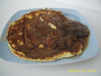 Tortilla mit Sultaninen und saftigem Pflaumenkompott - Rezept