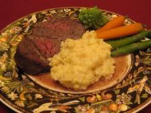 Pochiertes Rinderfilet mit Selleriepüree und Gemüse - Rezept