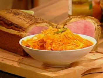Kassler im Brotteig mit tomatisiertem Sauerkraut - Rezept