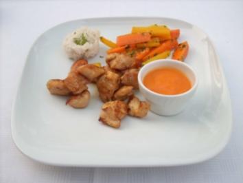 Kokosnussreis mit Hühnchen in Curry dazu Papayasoße und wilde Möhren - Rezept