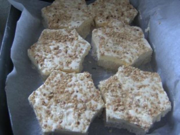 Desserts: Geeiste Zimtsterne mit flambierten Himbeeren - Rezept - Bild Nr. 3