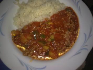 Zucchini-Tomaten-Hackfleisch - Rezept