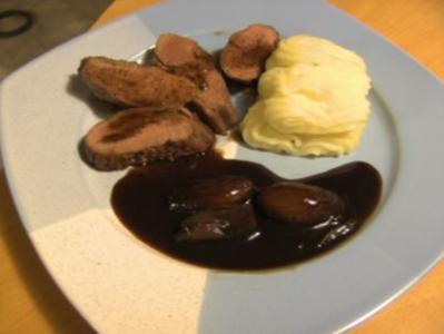Geflügel/ Wild: Entenbrust mit Trüffelpüree und Honig-Schalotten in Balsamicojus - Rezept