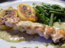 Lachsspieße mit Kartoffelrolle dazu Weißwein-Käße-Soße - Rezept