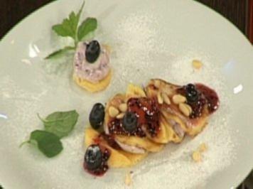 Lasagne vom Blaubeer-Buttermilch-Pfannekuchen (Kader Loth) - Rezept