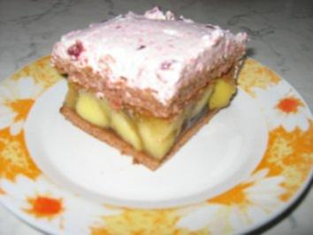 Apfel-Schnitten mit Preselbeersahne - Rezept