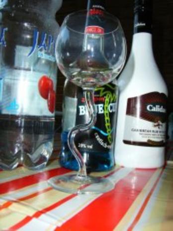 Cocktail: Cheery blue - Rezept - Bild Nr. 2
