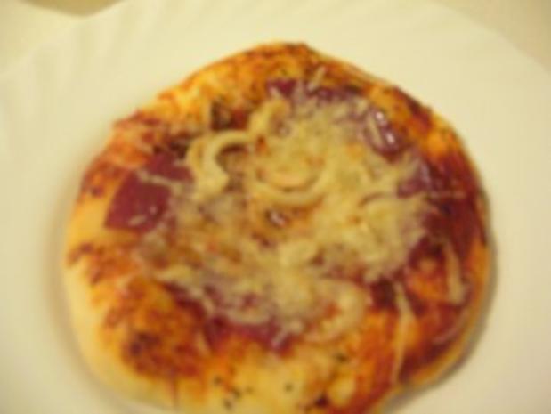 Pizzachen mit 2 unterschiedlichen Belägen - Rezept