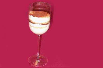 Tiramisu im Glas mit mallorquinischem Mandelkuchen - Rezept