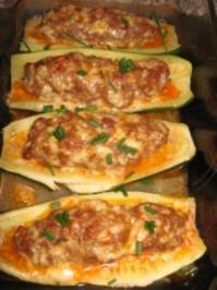 Zucchini-Schiffchen / Variation 2. - Rezept