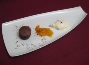 Schokoladentörtchen mit flüssigem Kern und Minzeis - Rezept