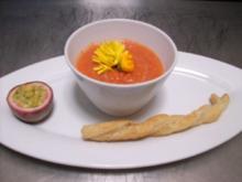 Maracuja-Gazpacho mit Kräutercrostini - Rezept