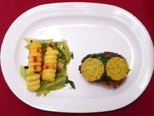 Iberischer Schweinerücken mit Cafe-de-Paris-Butter und sautiertem Salat - Rezept