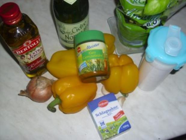 Gelbe Paprika-Cremesuppe mit Hähnchen - Rezept - Bild Nr. 2