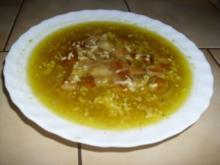 Zwiebelsuppe mit Croûtons und Bergkäse - Rezept