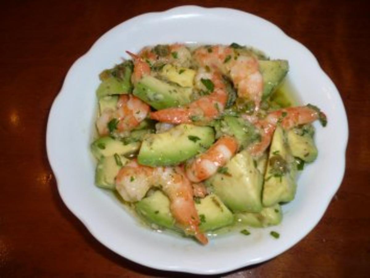 avocado mit shrimps rezept mit bild. Black Bedroom Furniture Sets. Home Design Ideas