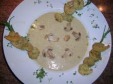 Knoblauchsuppe mit Garnelspießen  (siehe Fotos, wenn diese denn mal geladen werden!) - Rezept