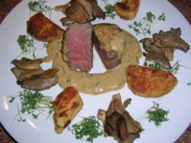Pochiertes Rinderfilet mit Estragonsauce an Grießplätzchen  (tolles Essen für Gäste) - Rezept - Bild Nr. 3